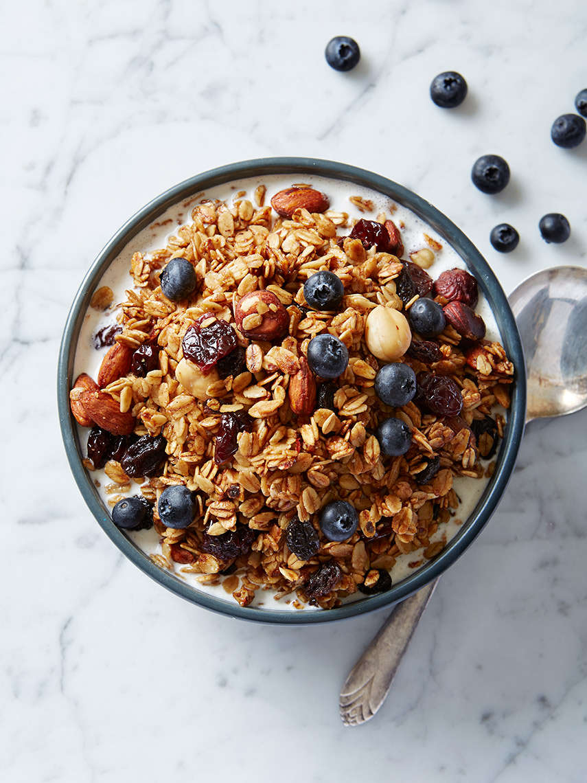 Granola_w_Blueberries_03_for_web_final_new