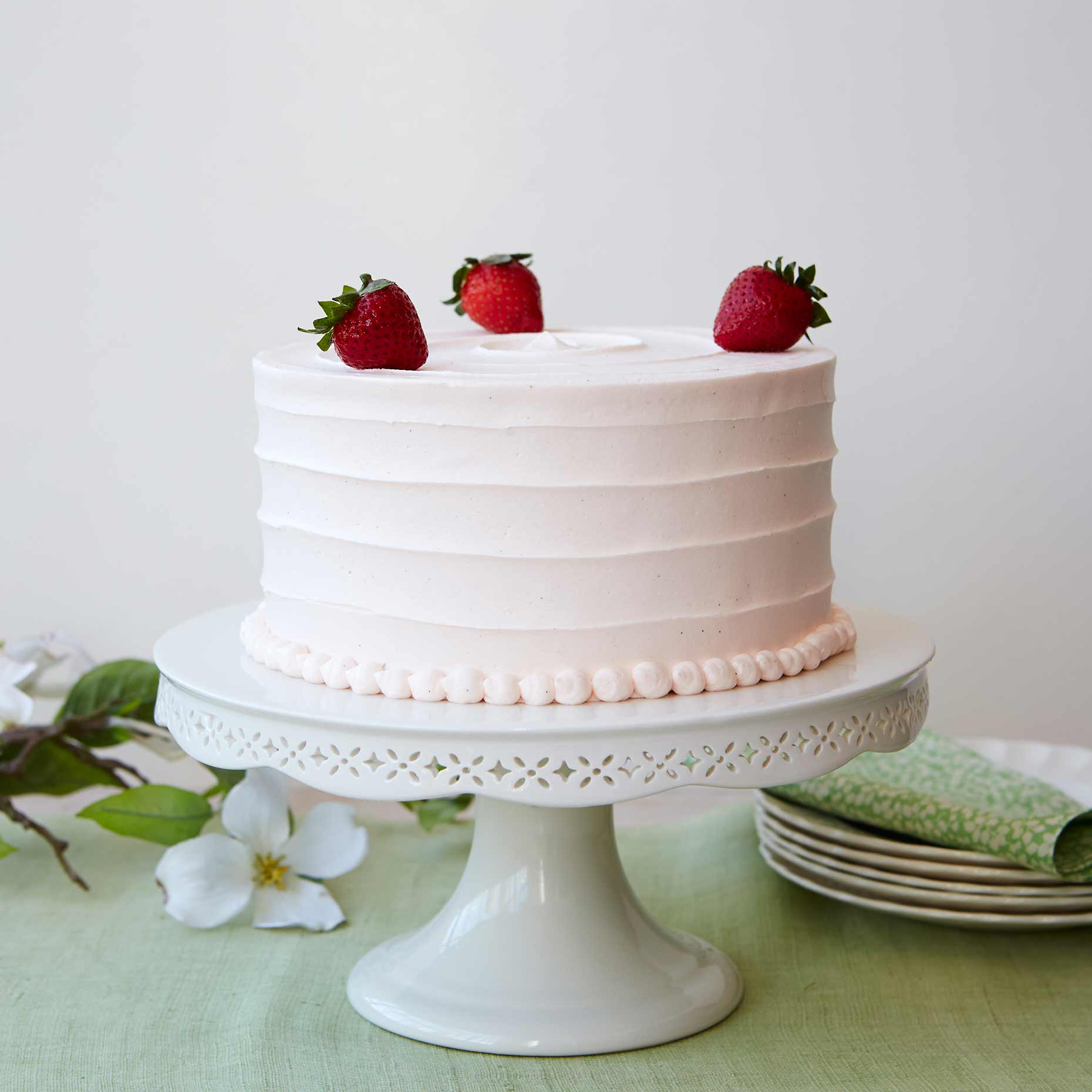 May_Day_Strawberry_Cake_01_final_flat_for_web